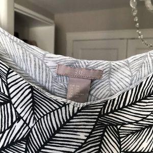 H&M Tops - H&M flowy layered pattern tank top 2x